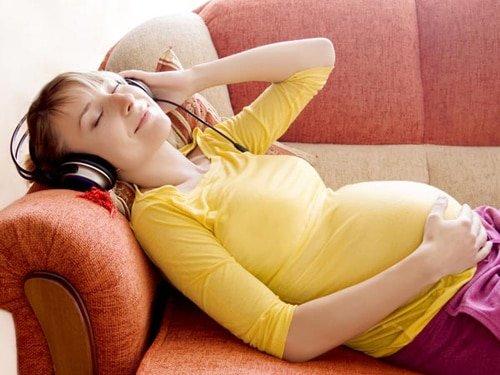 5 việc cần làm khi mang thai để con sinh ra khoẻ mạnh thông minh