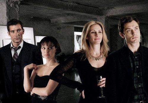 Cảnh quay hiếm hoi trong phim có mặt đủ 4 nhân vật chính.