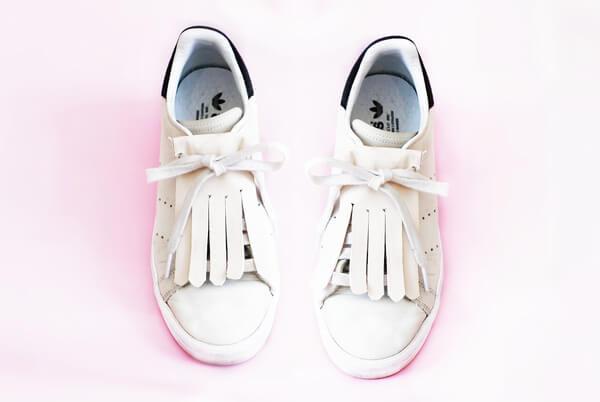 Lột xác cho đôi giày sneaker của bạn với 5 hướng dẫn custom giày DIY cực hay ho Ảnh 20